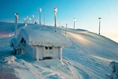 Haus in den Bergen von Finnland Lizenzfreies Stockbild