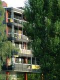 Haus in den Bäumen Stockfotos