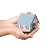 Haus in den Händen Lizenzfreies Stockfoto