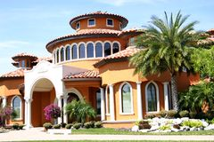 Haus in den Tropen lizenzfreies stockbild