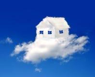 Haus in den Wolken Stockfotos