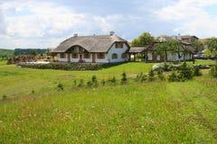 Haus der alten Art in der Landschaft Stockfoto