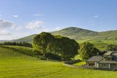 Haus in der englischen Landschaft Lizenzfreie Stockfotos