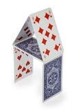 Haus der Karten getrennt auf Weiß Lizenzfreie Stockbilder