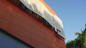 Haus der Kunst-Gold- Coastarchitekturorangenwand stock video