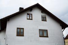 Haus in der Landschaft, Deutschland, München Stockbild