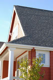 Haus in der Sonne Lizenzfreie Stockbilder