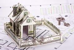 Haus des Geldes und der Tasten Lizenzfreie Stockfotos