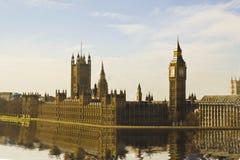 Haus des Parlaments u. des Big Ben stockfotos