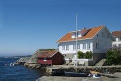 Haus durch das Meer Lizenzfreie Stockbilder