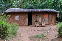 Haus in einem afrikanischen Dorf Stockfotografie