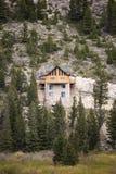 Haus errichtet auf Cliffside Stockfoto