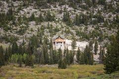 Haus errichtet auf Cliffside Stockfotografie