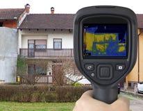 Haus-Fassaden-Infrarotbild Stockfotografie