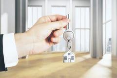 Haus gebildet aus 100 Dollarscheinen heraus Lizenzfreie Stockfotos