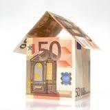 Haus gebildet mit 50 Euroanmerkungen Lizenzfreies Stockbild