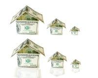 Haus gebildet von den Dollarscheinen Stockfotografie