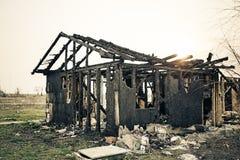 Haus gebrannte Versicherung lizenzfreie stockbilder