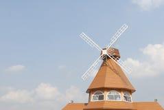 Haus-Himmel lizenzfreie stockfotografie