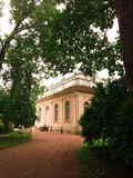 Haus im Park Lizenzfreie Stockfotos