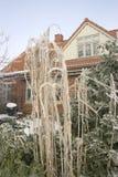 Haus im Schnee Stockbild