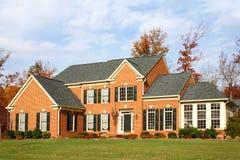 Haus im US-Vorort lizenzfreie stockbilder