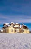 Haus im Winter Stockfotos