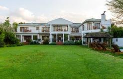 Haus in Knysna Südafrika stockbild