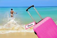 Haus Koffer mit Aufkleber Lizenzfreie Stockbilder