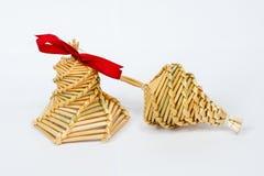 Haus machte Weihnachtsdekorationen vom Stroh Stockfoto