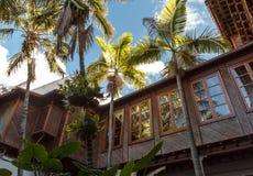 Haus mit Balkon Ð-¡ ourtyard Lizenzfreies Stockbild
