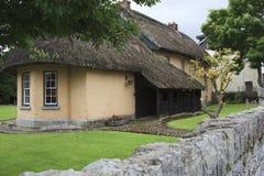 Haus mit einem thatched Dach Stockfotografie