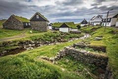 Haus mit grünem Dach Lizenzfreie Stockfotos