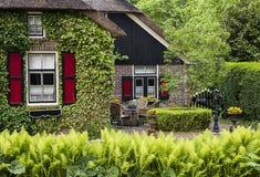 Haus mit Terrasse Giethoorn Overijssel Stockfotos