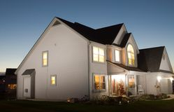 Haus nachts Lizenzfreies Stockfoto