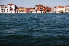Haus nahe dem Wasser in Venedig Stockbild