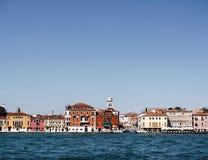 Haus nahe dem Wasser in Venedig Stockfotografie