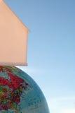 Haus oben auf die Welt Lizenzfreies Stockbild