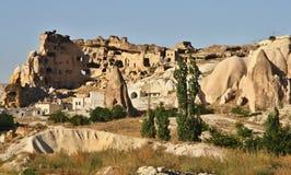 Haus schnitzte in der typischen Felsformation in Cappadocia, die Türkei Stockbild