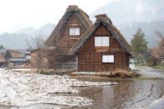 Haus an Shirakawa-Dorf Stockfotos