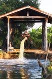 Haus stellte Wasserpumpe her Lizenzfreie Stockbilder