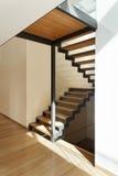 Haus, Treppenhausansicht lizenzfreie stockfotos