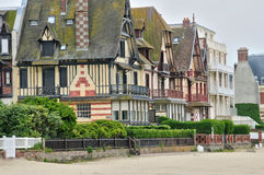 Haus in Trouville-sur Mer in Normandie Lizenzfreie Stockfotos