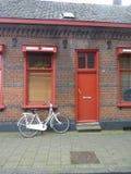 Haus und Fahrrad Lizenzfreies Stockfoto
