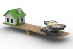 Haus und Geld auf Skalen Stockbilder