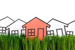 Haus und grünes Gras Stockfoto