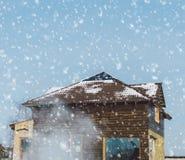 Haus und Schnee Stockbild