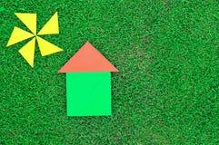Haus und Sonne gemacht von den Tangramzahlen Lizenzfreies Stockbild