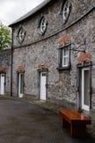 Haus und Straße in Kilkenny Stockbilder