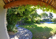Haus und Yard in Provence Stockbilder